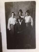 Goldie, Fern, Beulah and Elhugh Walker